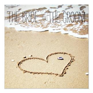 Hjärta på strandbröllopinbjudan fyrkantigt 13,3 cm inbjudningskort