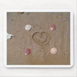 hjärta på strandrosasnäckorna musmatta