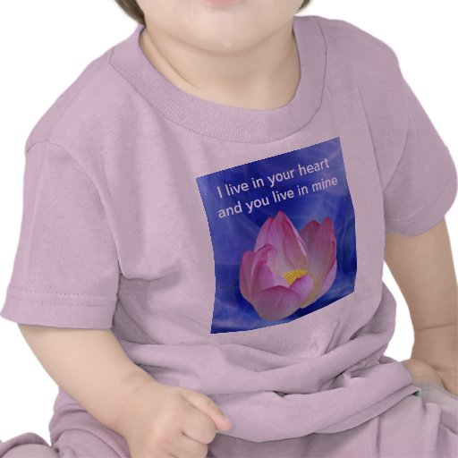 Hjärta till hjärtalotusblommablomman tee