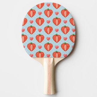 Hjärtajordgubbar med polka dots och hjärtor pingisracket