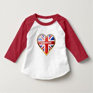 Hjärtformade brittisk flagga t-shirts