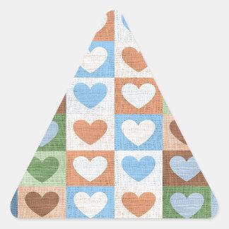 Hjärtor för blåttrosa- och gröntkärlek på tyg triangelformat klistermärke
