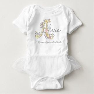 Hjärtor för monogram för Alexa flickanamn menande T-shirt