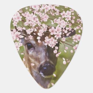 Hjort under det körsbärsröda träd plektrum