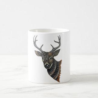 Hjortbock med invecklad design kaffemugg
