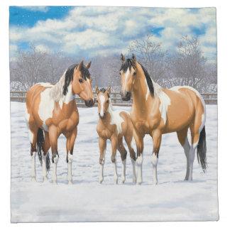 Hjortläderen målar hästar i snö tygservett