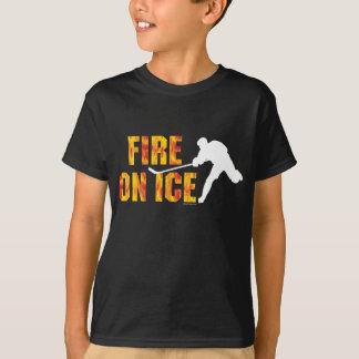 Hockey avfyrar på is tee shirt