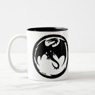 Högermugg för svart drake Två-Tonad mugg