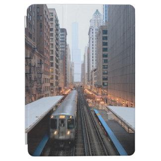 Högstämd stång i i stadens centrum Chicago över iPad Air Skydd