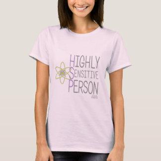 Högt känslig person på den ljusa skjortan tee shirts