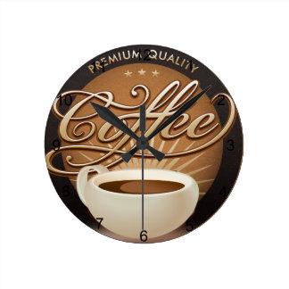 Högvärdigt kaffe och kaffekopp rund klocka