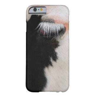 Holstein ko ansikte, närbild av ögat barely there iPhone 6 fodral