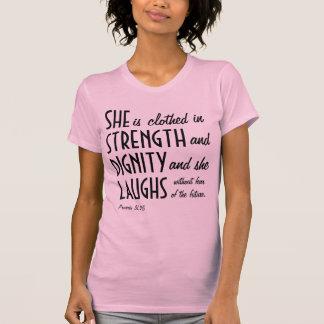 Hon bekläs i styrka och värdighet t-shirt