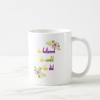 Hon trodde henne kunde, så hon citerade kaffemugg