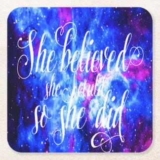 Hon trodde i älskare dröm underlägg papper kvadrat