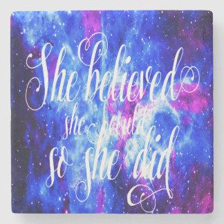 Hon trodde i älskare dröm underlägg sten