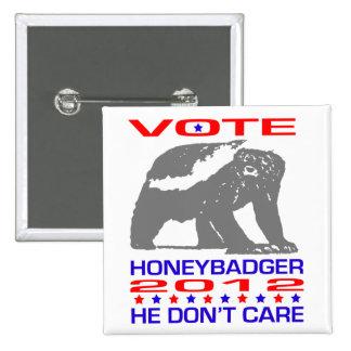 Honeybadger 2012 - Politiskt humor knäppas Nål