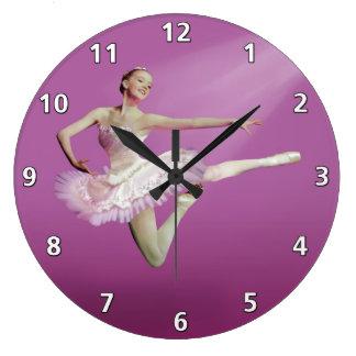 Hoppa ballerinaen på rosor stor klocka