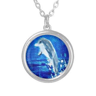 Hoppa delfinkonst silverpläterat halsband