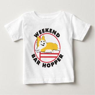 Hopper för pub för helg för PembrokeCorgiAgility T Shirts