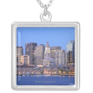 Horisont av i stadens centrum Boston från inre Silverpläterat Halsband