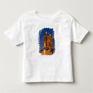 Horisonten av Cincinnati, Ohio, USA på skymningen T-shirt