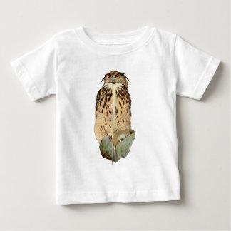 Horned uggla med rovet t-shirt