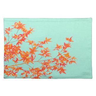 Hösthöst löv i orange på Mintgrönt Bordstablett