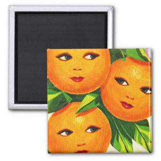 Hötorgskonstvintageorange orange flickor magnet