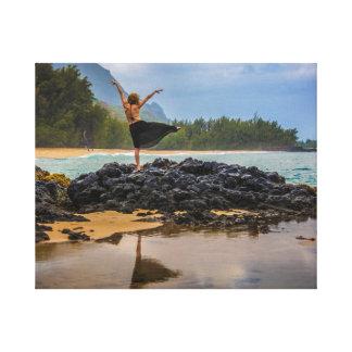 Hula dansare på den Lumaha'i stranden, Kauai, Canvastryck
