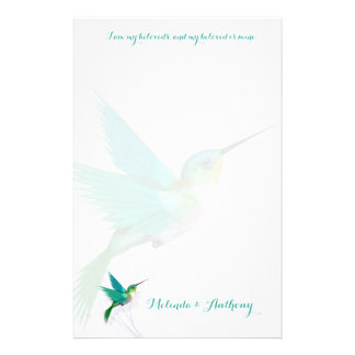 Hummingbirden virvlar runt brevpapper