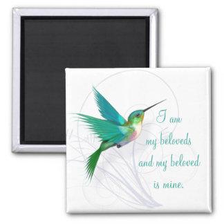 Hummingbirden virvlar runt magnet~ min älskling magnet