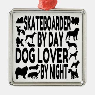 Hund älskareSkateboarder Julgransprydnad Metall