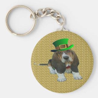 Hund St Patrick för nyckelringbabyBasset Rund Nyckelring