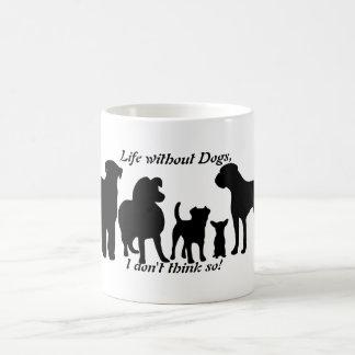 Hundar föder upp den svart silhouetten för kaffemugg