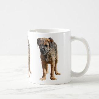 Hunden för gränsterriervalpen älskar jag hjärtamug kaffe mugg