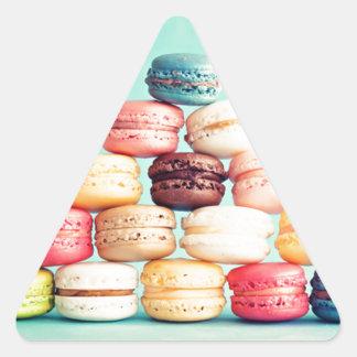 Hungrig Macaron hipster, multifärgad, sötsakkakor Triangelformat Klistermärke