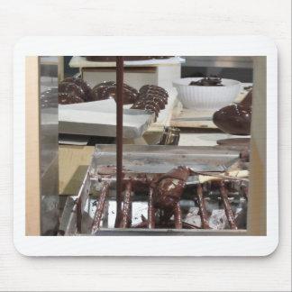 Hur man gör chokladpåskägg musmattor