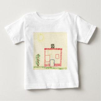 Hus och träd, broderi av ett barn tee shirt