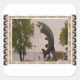 Husky showen för Muskie fiskvägren PÅ Kanada Fyrkantigt Klistermärke