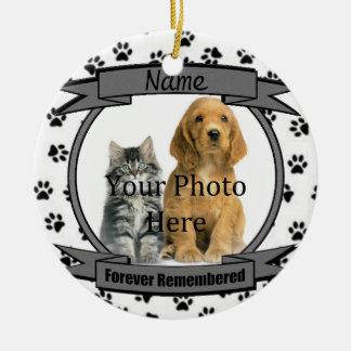 I minne av din mindas hundför evigt rund julgransprydnad i keramik