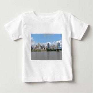 I stadens centrum Cincinnati horisont T Shirt