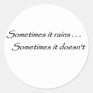 Ibland regnar det citationstecken runt klistermärke