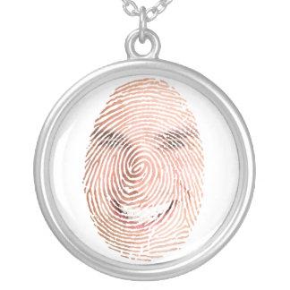 Identifiera med fingeravtryck ansikteminnessakberl halsband med rund hängsmycke