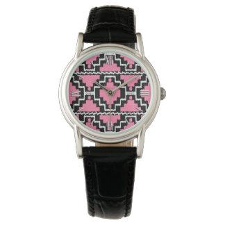 Ikat Aztec mönster - Fuchsia rosa som är svartvit Armbandsur