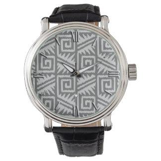 Ikat det Aztec mönster - skuggar av grå färg/grått Armbandsur