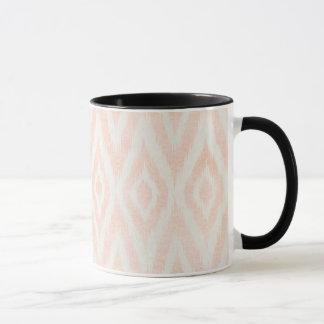 Ikat för rodna rosa vattenfärg geometriskt målat mugg
