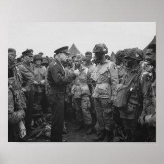 Ike som talar med luftburet på D-Dag Poster