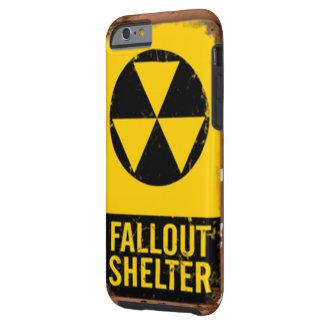 Ila telefonen som ser lik ett nedfallskydd tough iPhone 6 skal