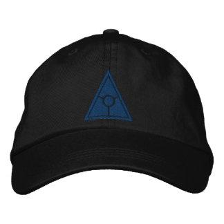 Illuminati lock broderad keps